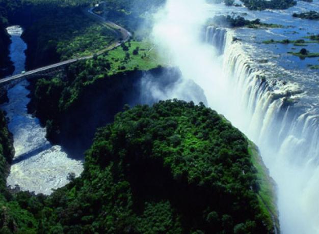 Zimbabwe Tourist Attractions: Victoria Falls and Bridge