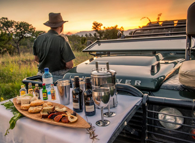Sundowners Chisomo Safari Lodge