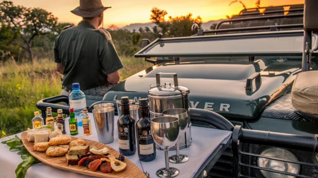 Sundowners Chisomo Safari Lodge
