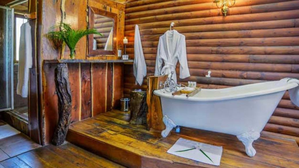 Luxury Suite Bathroom Karongwe River Lodge