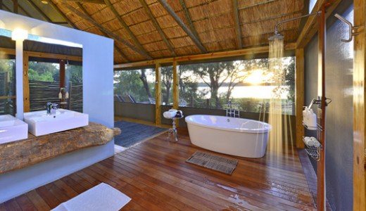 Victoria Falls River Lodge: Luxury Suite Bathroom