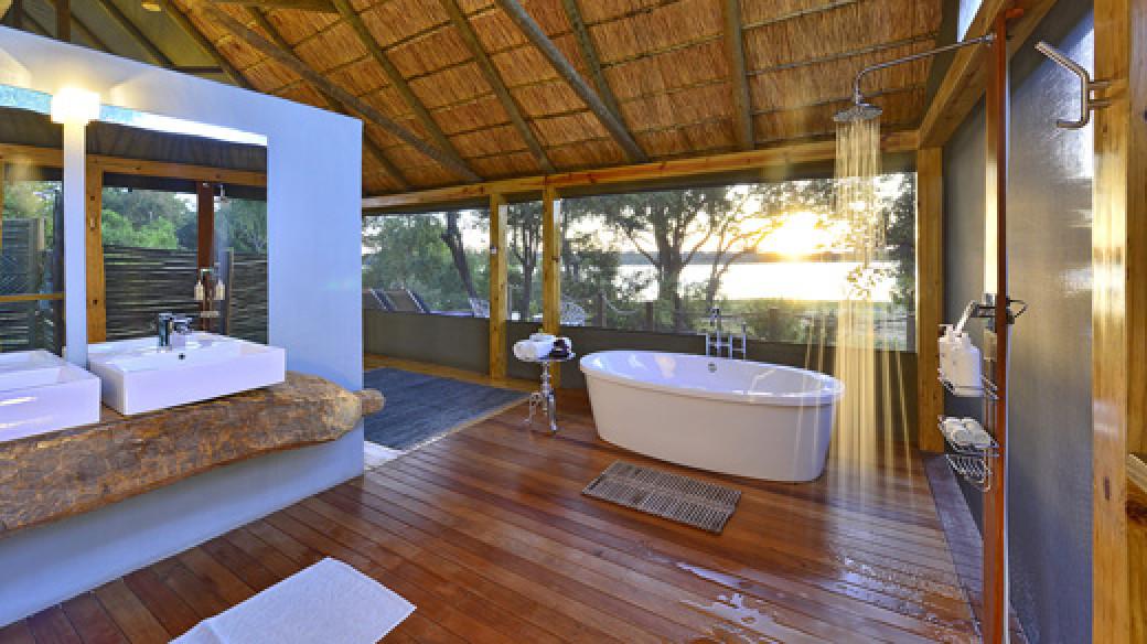 Victoria Falls River Lodge: Luxury Suite Bathroom