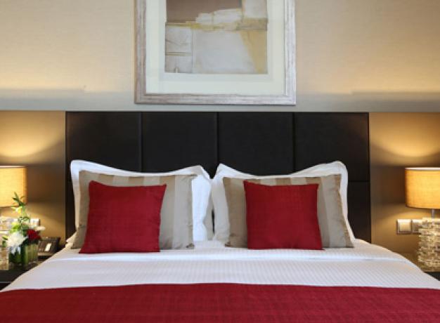 Ramada Downtown Abu Dhabi - Bedroom
