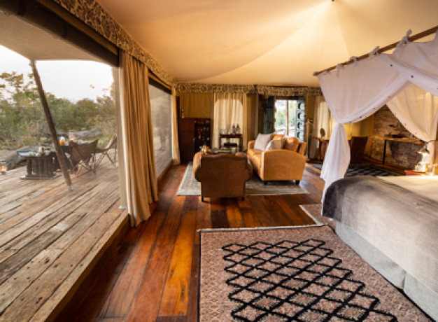 Mpala Jena Camp is an exquisite tented camp, located in a private concession within Zambezi National Park overlooking a beautiful stretch of Zambezi River and in the shade of indigenous trees.