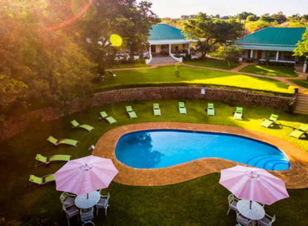 Quiet Hotel - Batonka Guest Lodge, Victoria Falls Zimbabwe