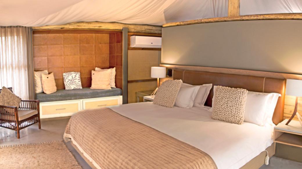 Dwyka Tented Lodge in Sanbona Wildlife Reserve - South Africa Safari