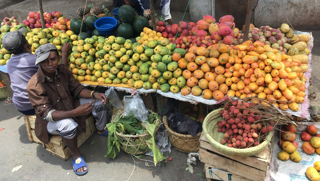 Our Madagascar Travels: The Colourful Markets in Ambositra